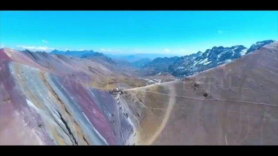 Peru Adds con musica Voz y letreros