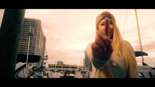 40 SRTA DAYANA  La Mentira [Official Video] Cubaton 2018